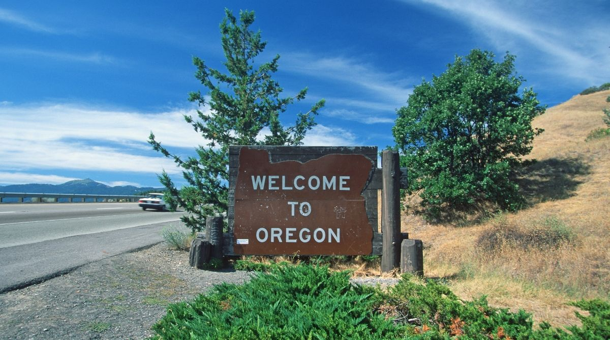 Image of Welcome to Oregon sign