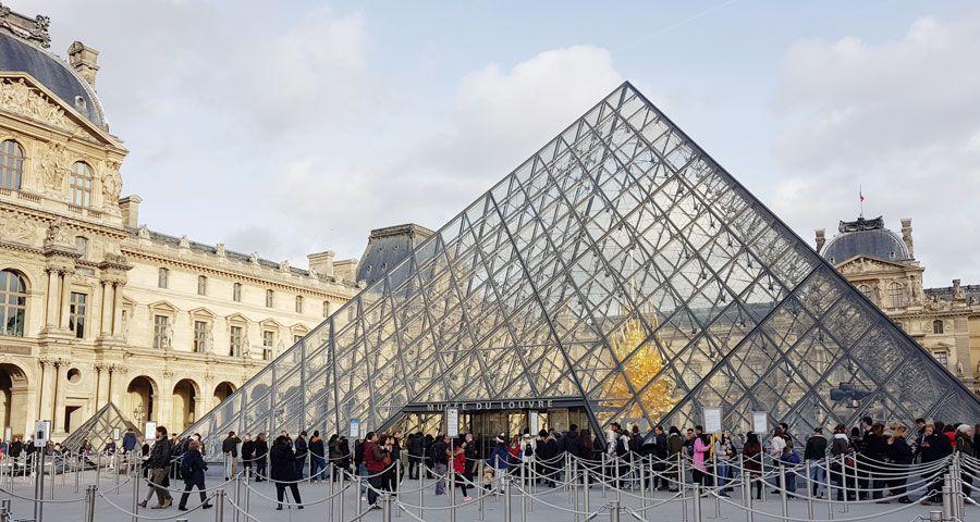 French consultation on marijuana legalization passes 200,000 responses