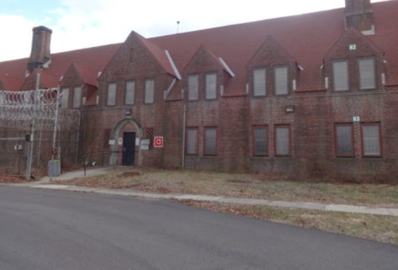 Image of a former prison in Warwick, New York